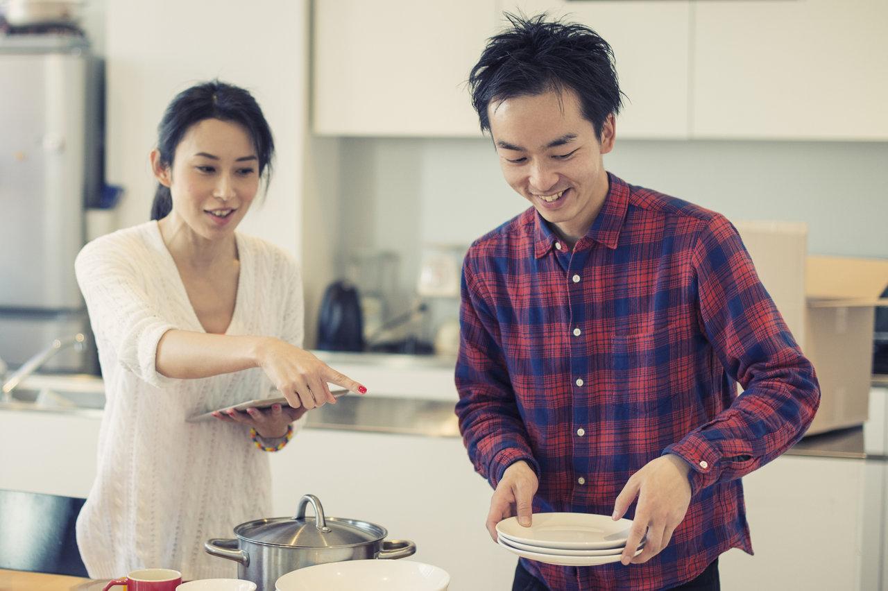 食器を捨てる基準やきっかけは?捨てどきの見極め方と処分方法を紹介