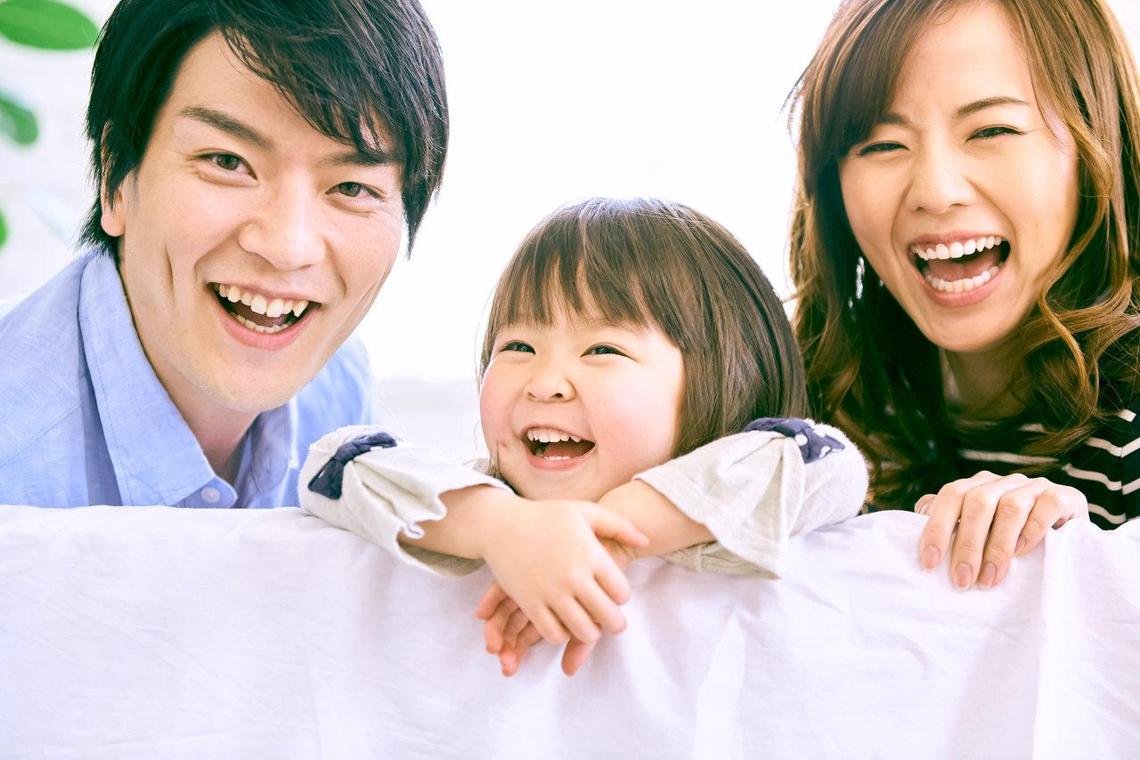 家庭円満の秘訣は笑顔と会話!仲良し家族でいるために意識すること