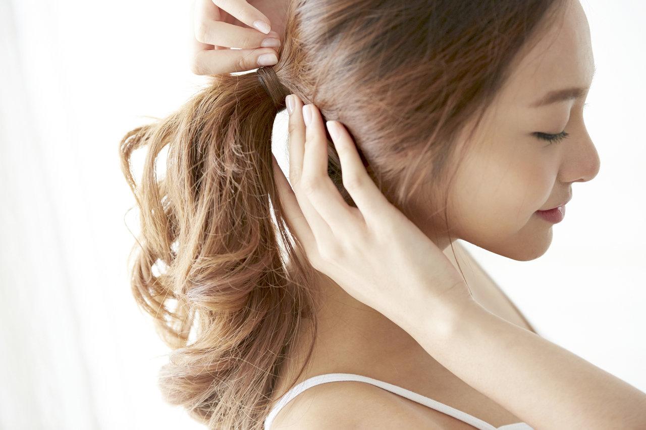 髪型をマンネリ化しないアイデア!忙しいママでも簡単なヘアアレンジ