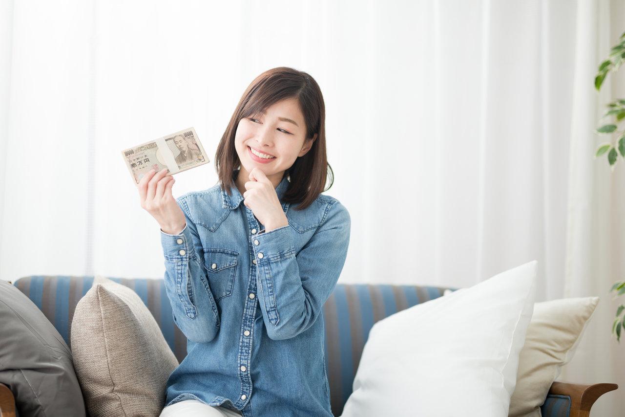 1年で100万円貯金は夢じゃない!明確な目標と収入アップで実現を