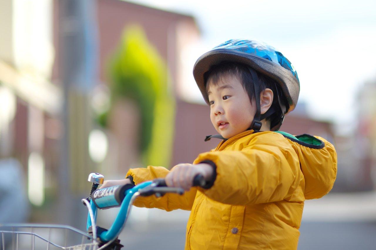 子どもと公道を自転車で走るには?決まりや準備と注意点について