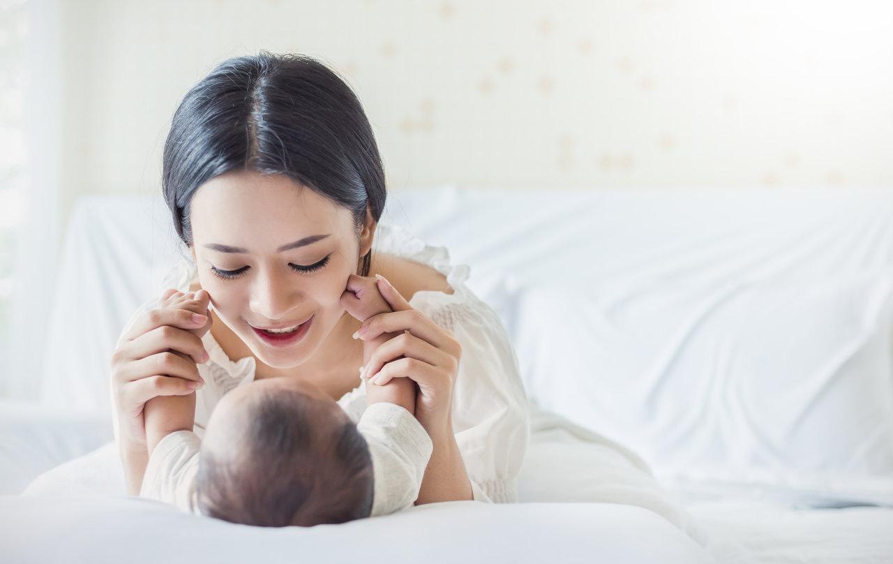 男の子が話すようになるのはいつ?赤ちゃんの言葉を引き出す方法