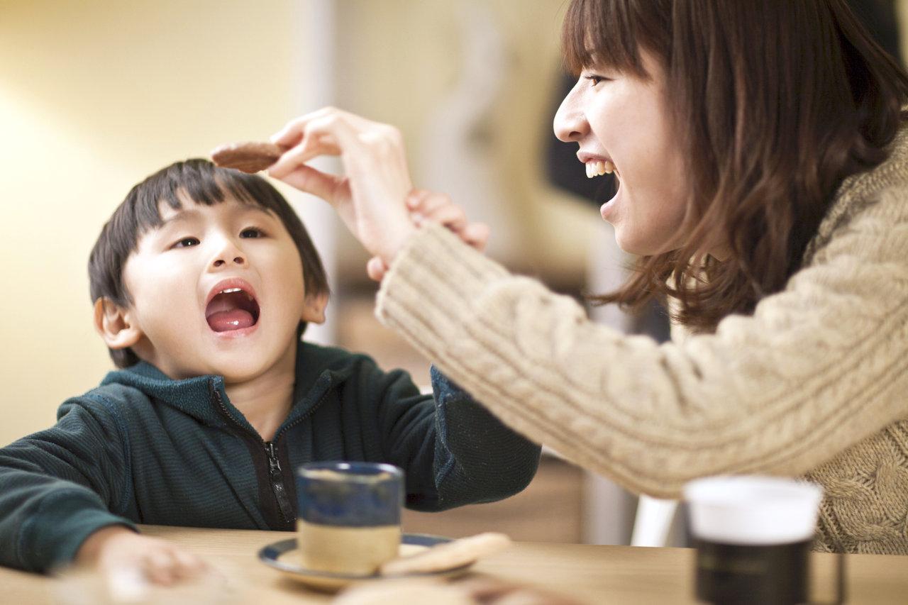 間食は栄養補給を意識しよう!ママと子どものおやつ選びのポイント