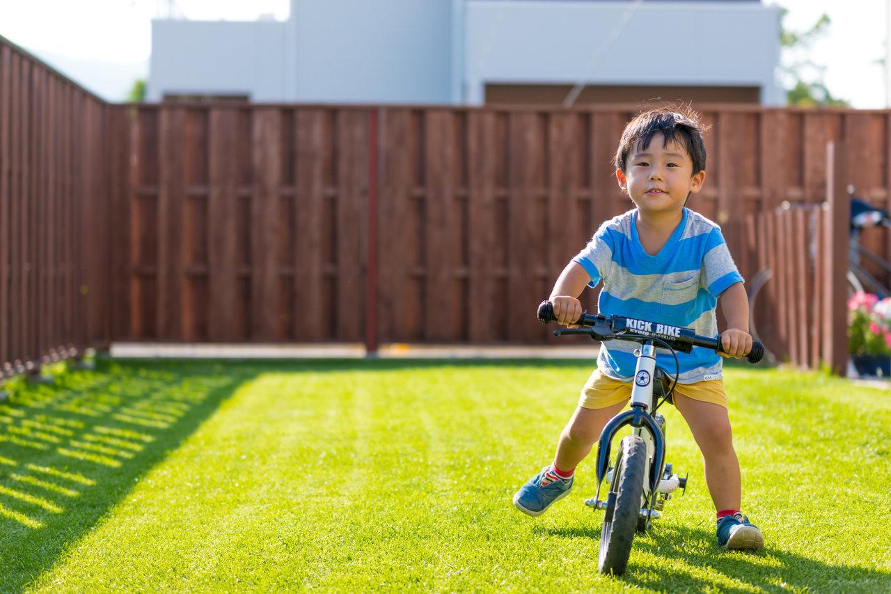 ストライダーの遊び方はいろいろ!親子で安全に楽しく遊ぶコツ