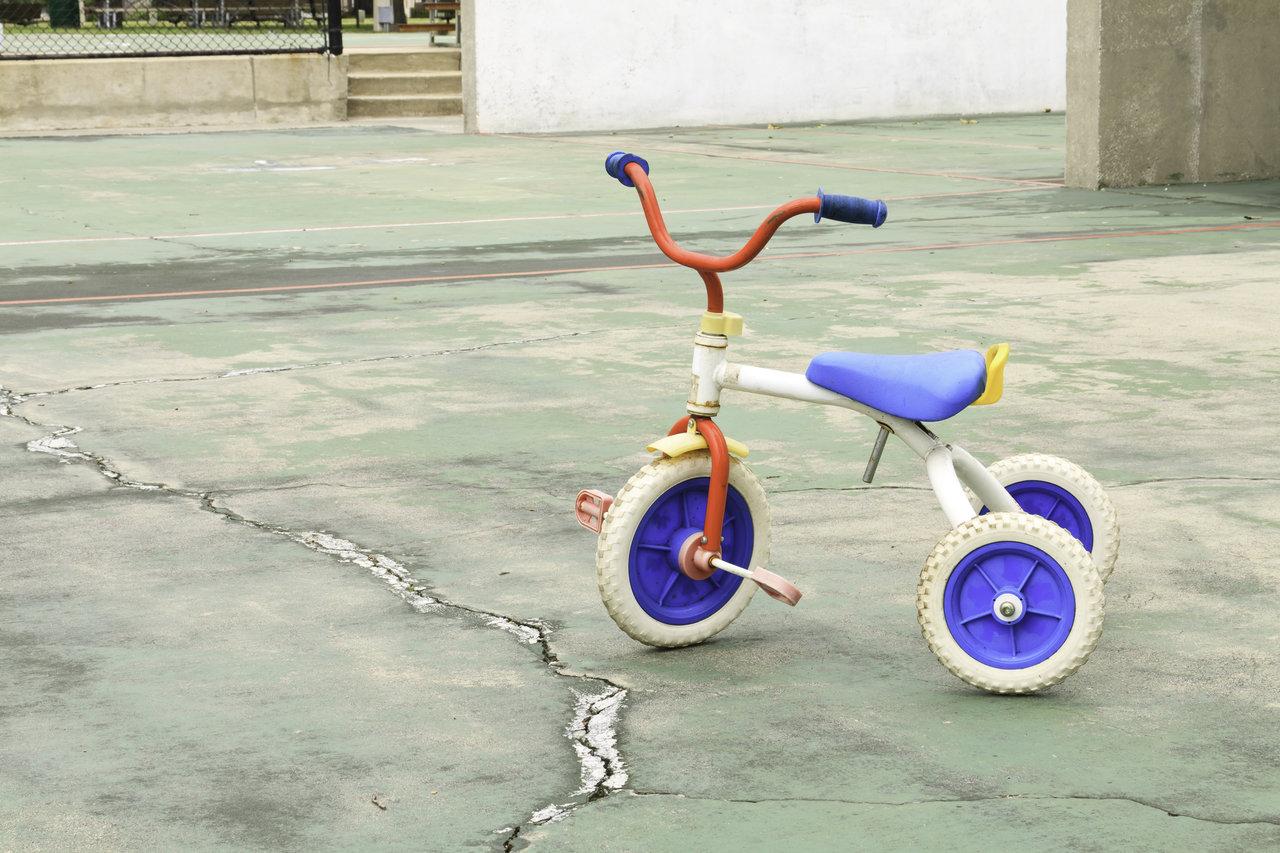 三輪車は飛行機に乗せられる?子どもと一緒に快適にフライトする方法