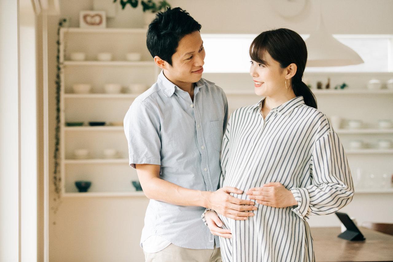 妊娠35週はまもなく臨月!ママと赤ちゃんの様子や気をつけること