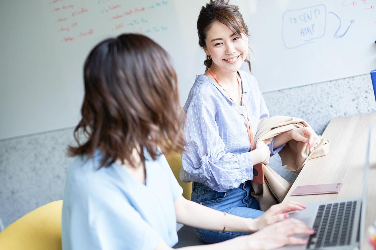 妊娠報告は朝礼ではなくまず上司へ。スムーズな勤務に繋げるアイデア