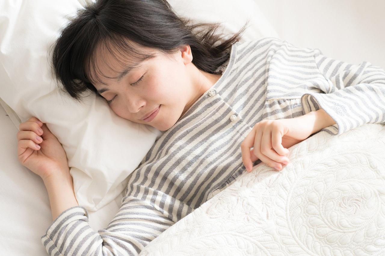 ノーブラで寝るとスタイルに響く?メリットとデメリットを理解しよう