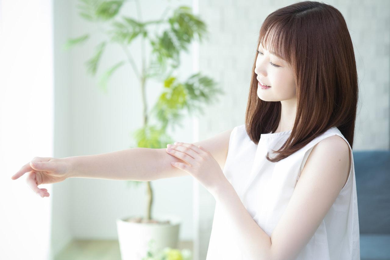 腕のシミが気になるママが多い!家事や育児で酷使する手や腕へのケア