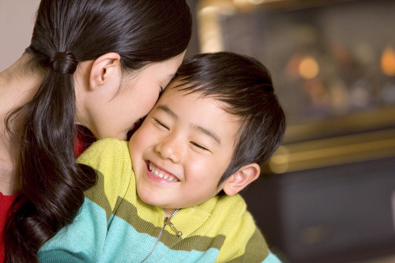 子どもに伝わる愛情表現の方法とは?愛情の大切さや接し方のヒント