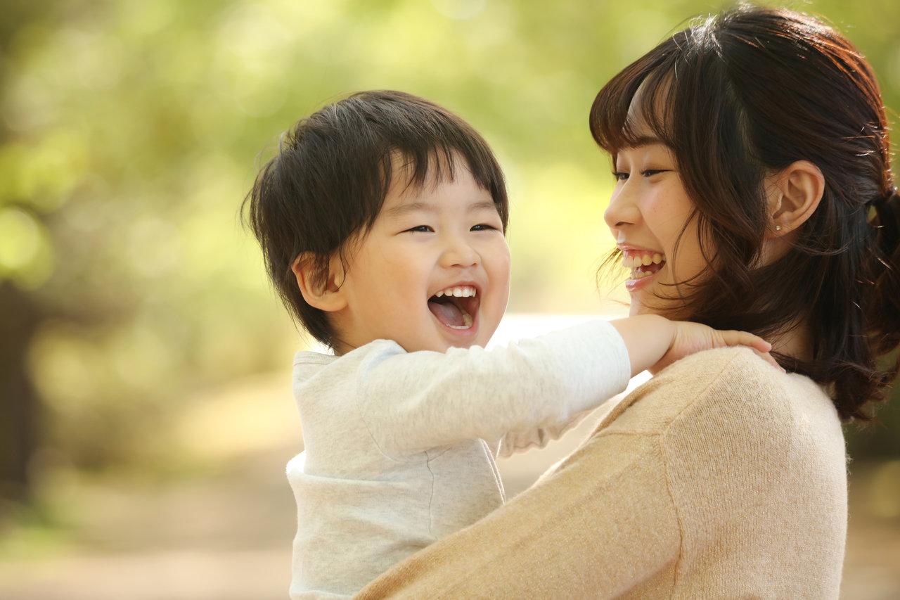 愛情豊かに子どもを育てる方法とは。自分には愛情がないと悩まないで