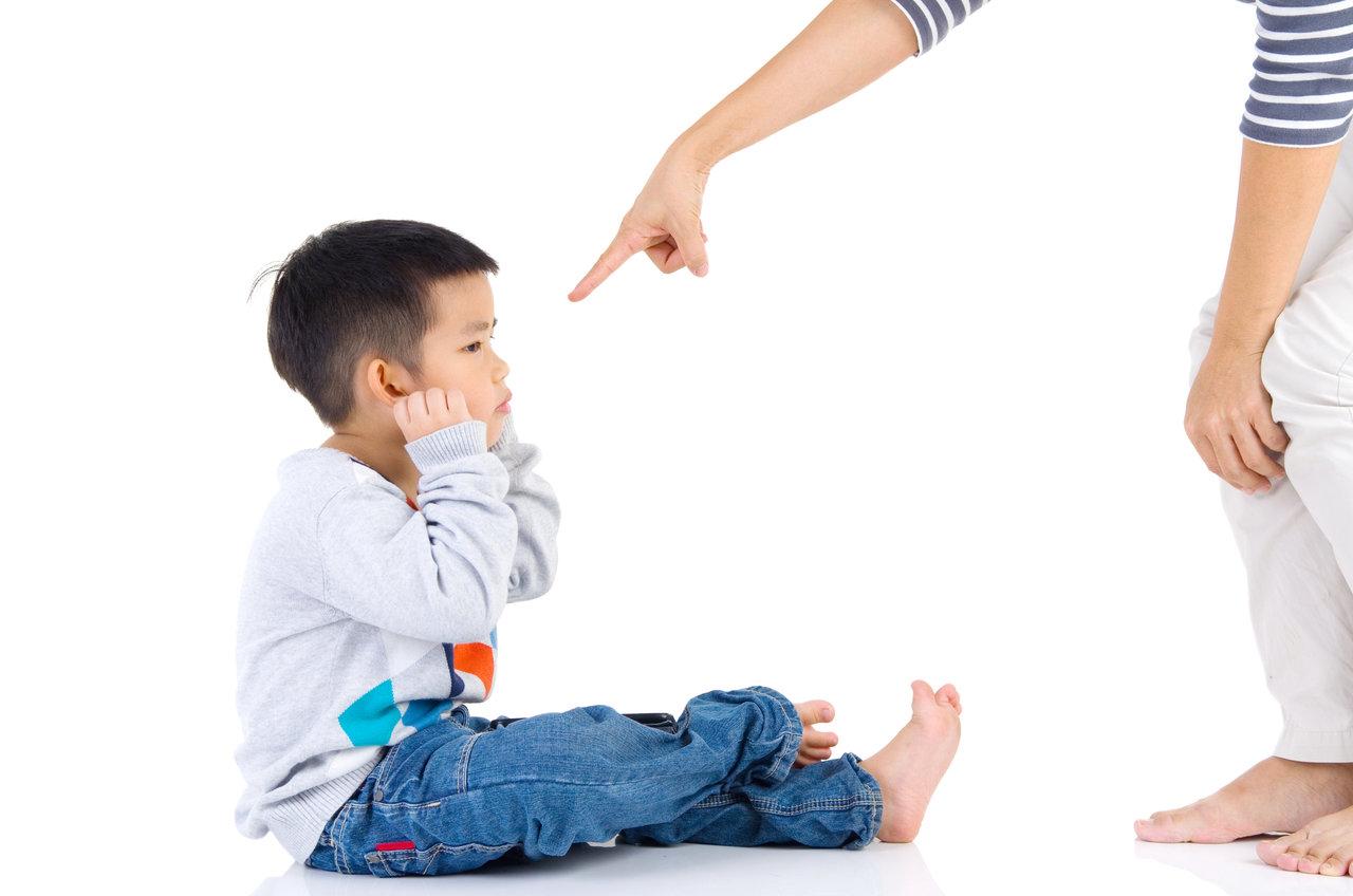 否定ばかりだと子どもに影響がある?子どもに与えるダメージと解決策