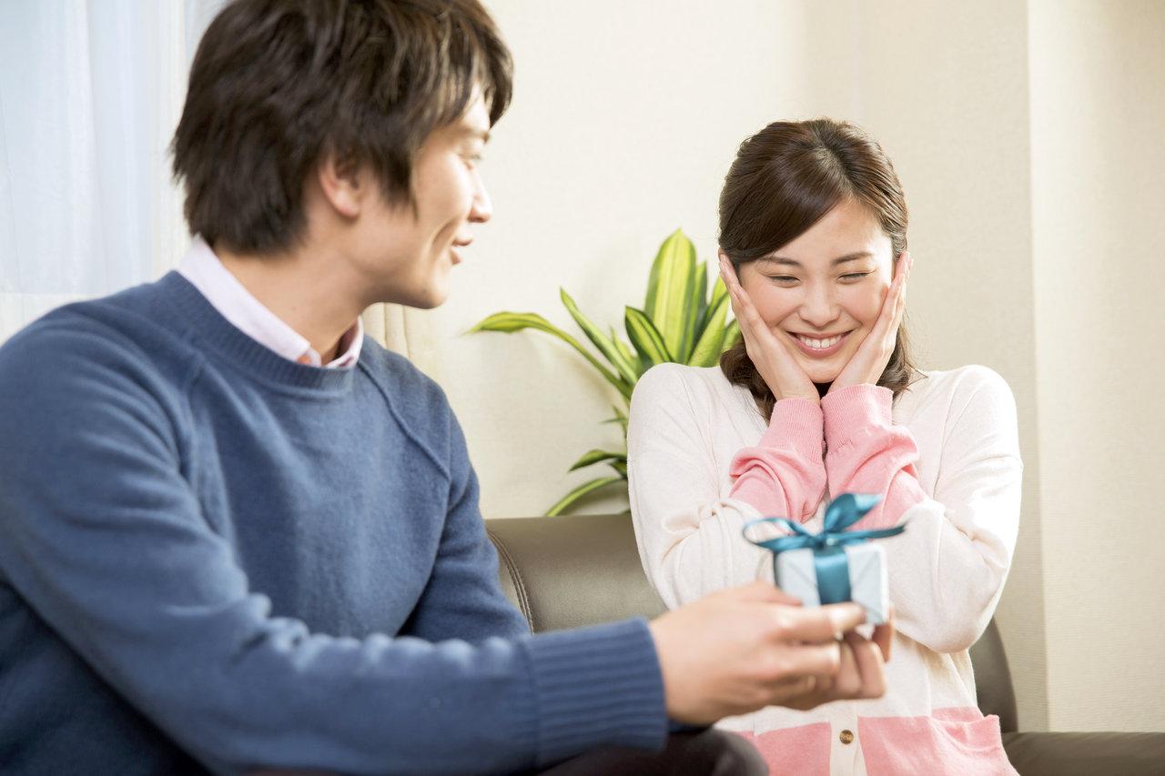 結婚10年目はパパとプレゼント交換!錫婚式の知識やおすすめギフト