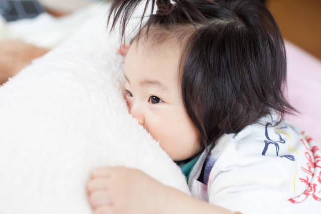 こつ 新生児 げっぷ 赤ちゃんにげっぷをさせる3つのコツ!慣れないママでも大丈夫!