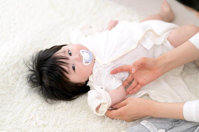 寝る 時 服装 秋 赤ちゃん