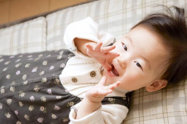 1a98d1f3fab7d 赤ちゃんの冬はつなぎ服で暖かく!成長に合った快適なウェアの選び方 ...
