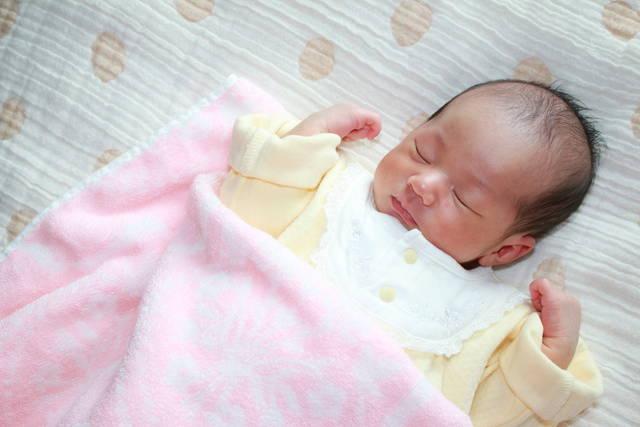 寝る 時 服装 赤ちゃん