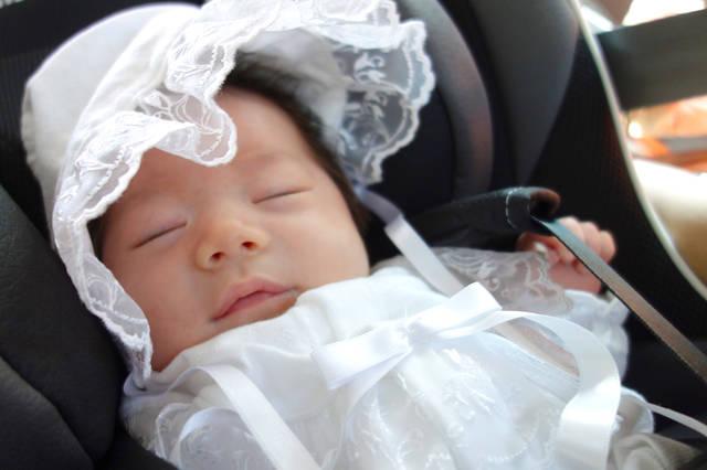0335453b3d12f 赤ちゃんの秋の退院着はこれでOK!上手に小物を使って体温調節 - teniteo ...
