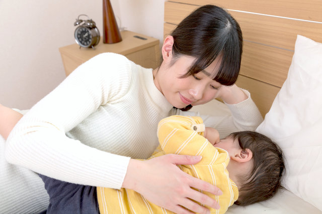 赤ちゃん 寝る 前 に 泣く