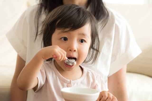 2歳は離乳食から幼児食にかわる時期。たくさん食べたくなる工夫と献立 - teniteo[テニテオ]