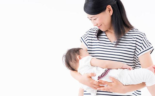 新生児が安心できる、よこ抱っこ・たて抱っこの仕方|ベネッセ教育情報サイト