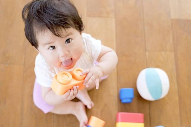 赤ちゃんと暑い夏の過ごし方。服装や家での遊び方を紹介 - teniteo[テニテオ]