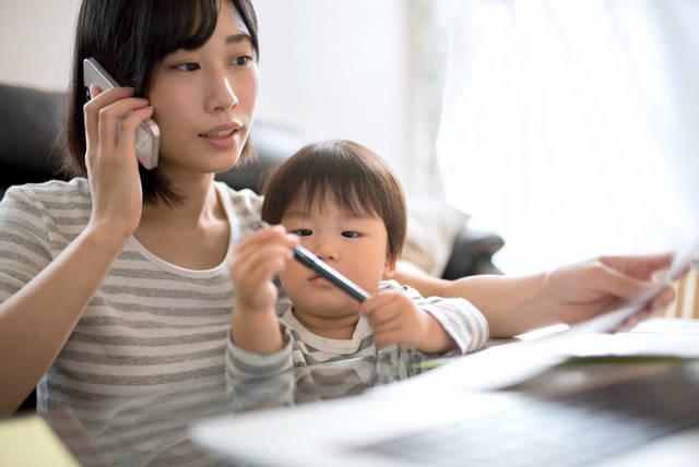 働きたい子育てママの仕事探し。外勤と在宅でできるお仕事とは - teniteo[テニテオ]