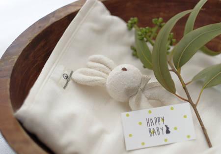 ご出産祝いのギフトに喜んでいただける、オーガニックコットン綿毛布☆ ママも気に入っていただけること間違いなしです!