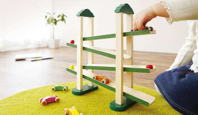 森のうんどう会 動きが楽しい&ひっぱるあそび | 木のおもちゃ 幼児教室生まれの知育玩具 株式会社エド・インター