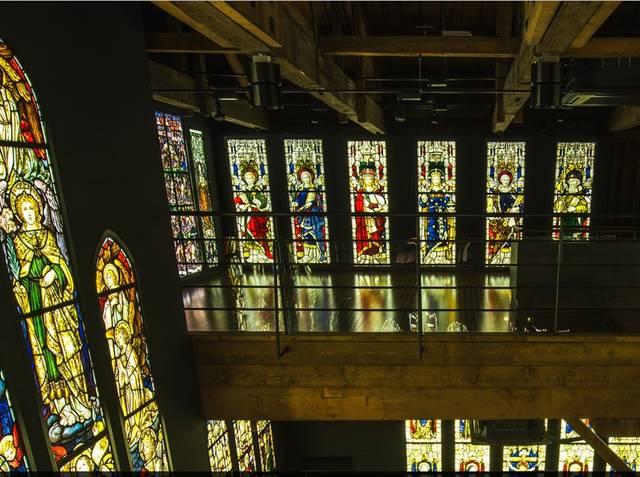 ステンドグラス美術館(旧高橋倉庫) | 小樽芸術村