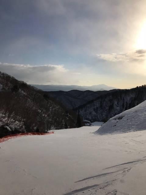 滋賀県のスキー場は女性も子どもも楽しめる国境高原スノーパーク