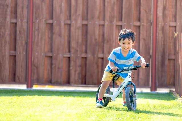 2歳になったら自転車に挑戦!準備すればとことん楽しめる - teniteo[テニテオ]