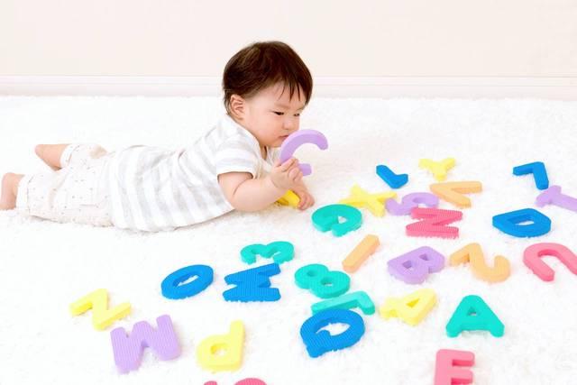 小学校入学前にスタートする英語教育!赤ちゃん期からの始め方 - teniteo[テニテオ]