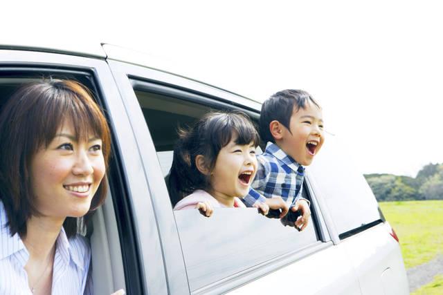 子育てママにおすすめの車種!選ぶポイントや軽からミニバンまで解説 - teniteo[テニテオ]