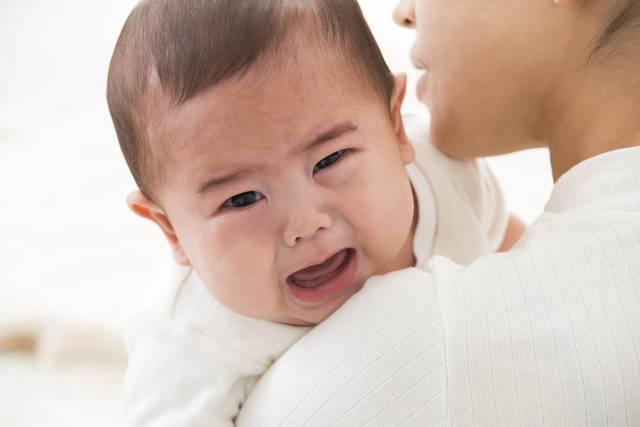 もしかしてこれが黄昏泣き?赤ちゃんが泣くメカニズムと対処法 - teniteo[テニテオ]