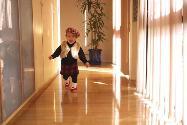 子どもはいつから元気に走るの?走り始めの注意とポイントをご紹介 - teniteo[テニテオ]