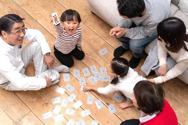 5歳児と楽しめるトランプの遊び方!種類別のルールや効果を知ろう - teniteo[テニテオ]