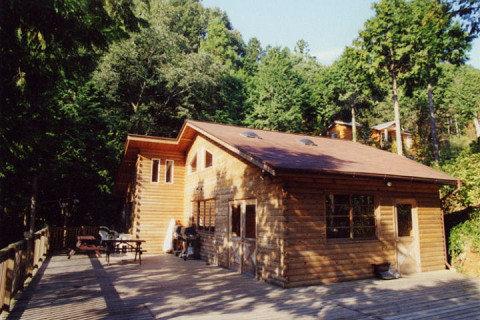 コットンフィールドキャンプ場 | 心を満たす山と川と温泉と