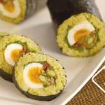 料理ブロガーぱおさんが作る大きなゆで卵がごろっと入った『カレーロール寿司』