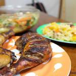 ジャマイカ代表料理!スパイシーソースに漬けこんでこんがり焼けた『ジャークチキン』