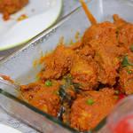日本のお赤飯のような赤くめでたいマレーシア料理『ナシ・トマト&アヤム・マサ・メラ』