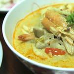 酸っぱい・辛い・甘いの3拍子!クセになる味タイの伝統料理『トムヤムクン』