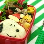 【クリスマスver】キャラ弁レシピ:スヌーピー&ウッドストックの作り方