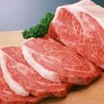 男の休日は贅沢に肉を頬張る!ちょっとしたコツで美味しくお肉を焼き上げる方法をご紹介します。