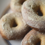 卵・バター不使用!ベーキングパウダーでつくるドーナツの簡単レシピ
