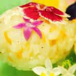食べられるお花「エディブルフラワー」を使った幸せな気持ちになれるレシピ&カフェ紹介