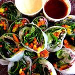 ご飯じゃなくて野菜を巻く!手づかみで食べられる新発想のサラダロール