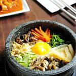 石焼きビビンバも日本生まれ?調理法逆輸入の韓国料理