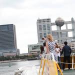 オランダきたリセッテ&デニスが東京・浅草で観光に日本の家庭料理におおはしゃぎ♪