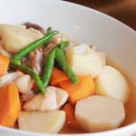 イタリア人キアラが北九州市門司で味わう鰯のぬか炊きなど、関門ダコなどの地元料理を堪能!